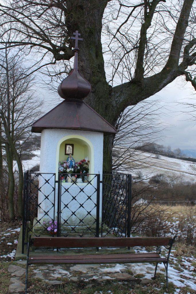 Kaplnka Liptovské Sliače - Nižný, nad vstupom do obce 05