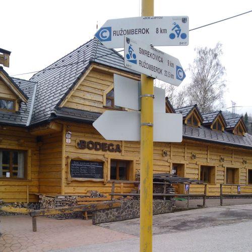"""Shepherd's Hut """"Koliba Bodega"""" in Podsuchá"""