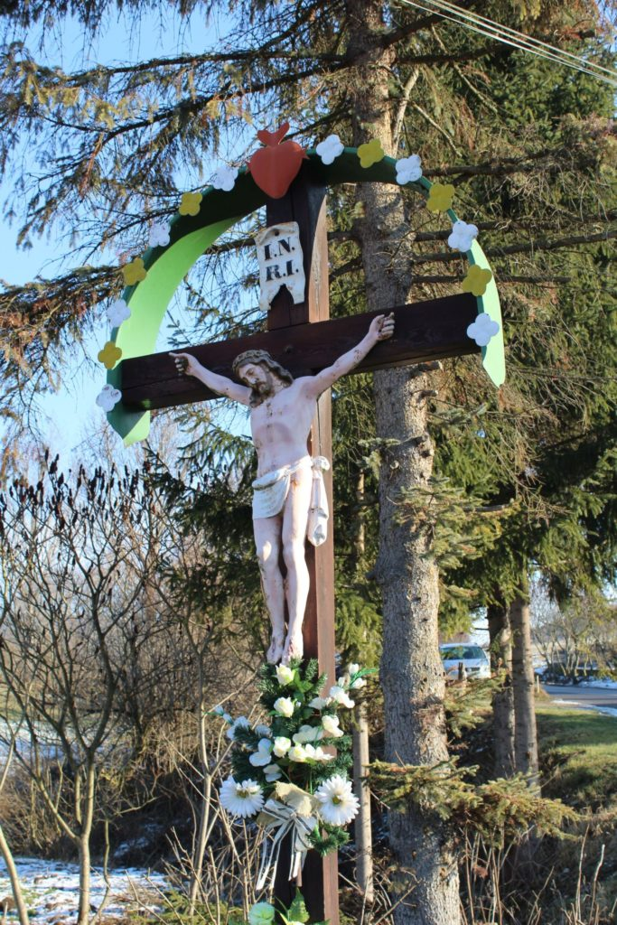 Kríž Likavka, ulica Československej armády 02