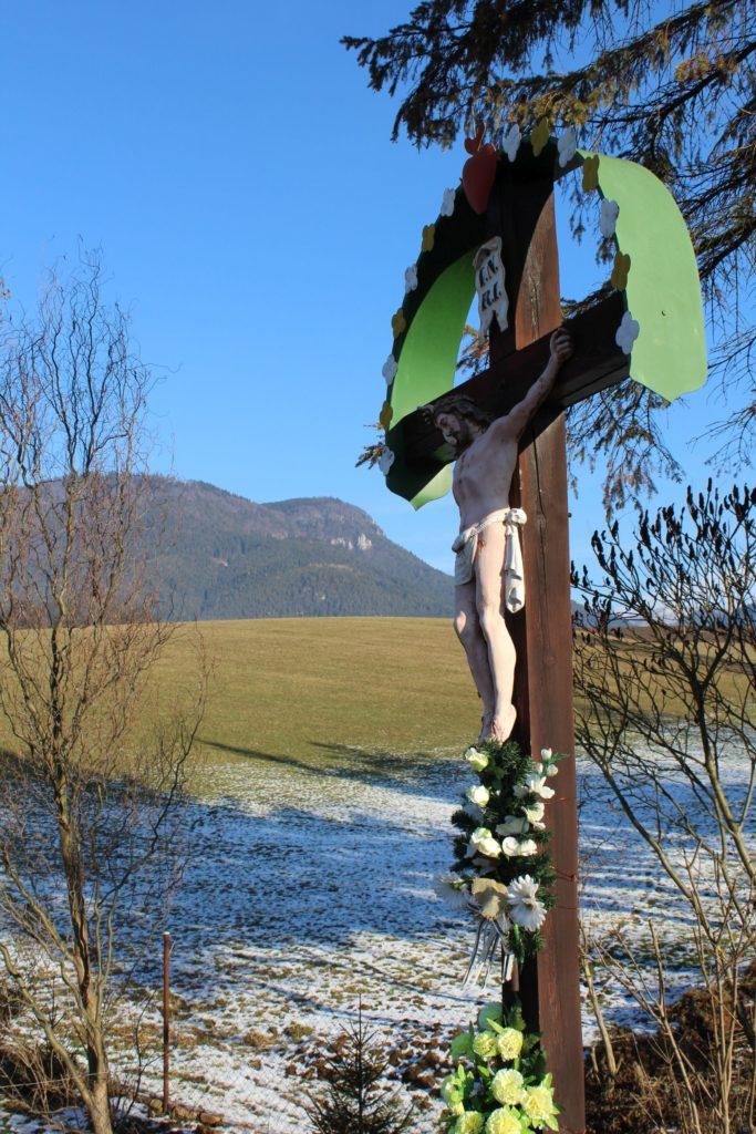 Kríž Likavka, ulica Československej armády