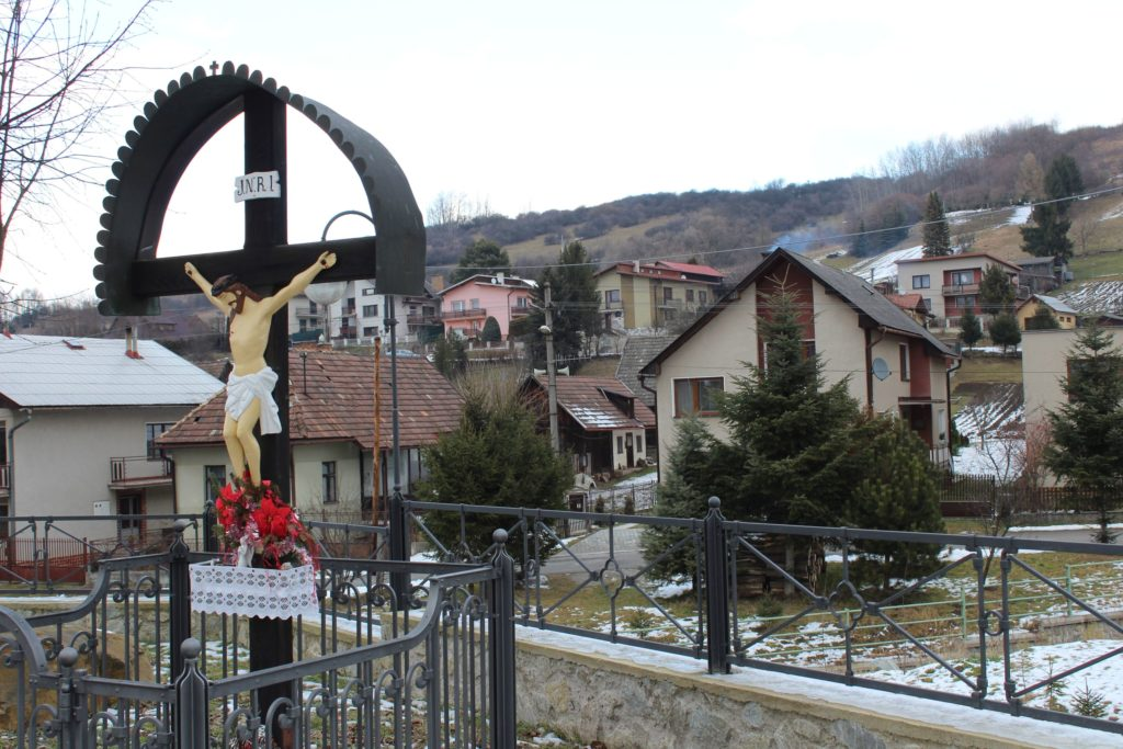 Cross of Liptovské Sliače - Nižný, at the intersection of Hlavná - Na Majeri