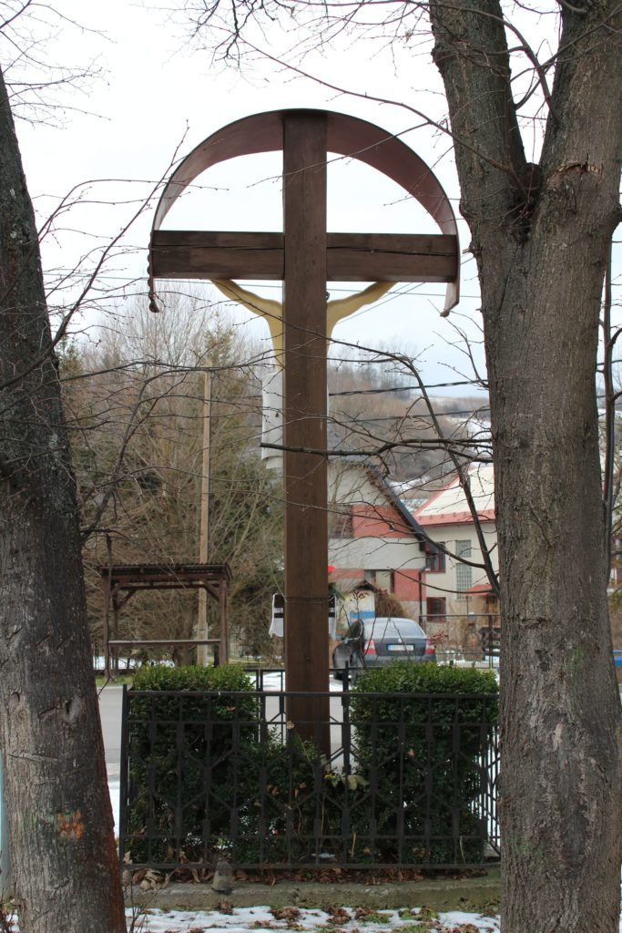 Kríž Liptovské Sliače – Nižný, križovatka Hlavná – Záhumnie