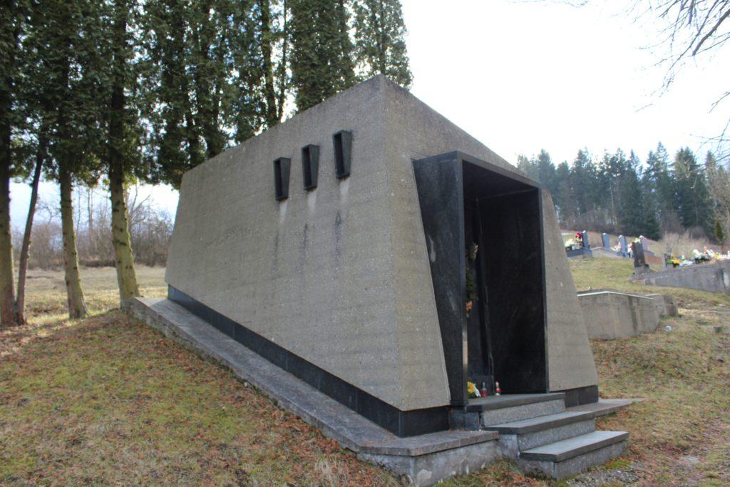 Hrobka Ľudovíta Fullu 03