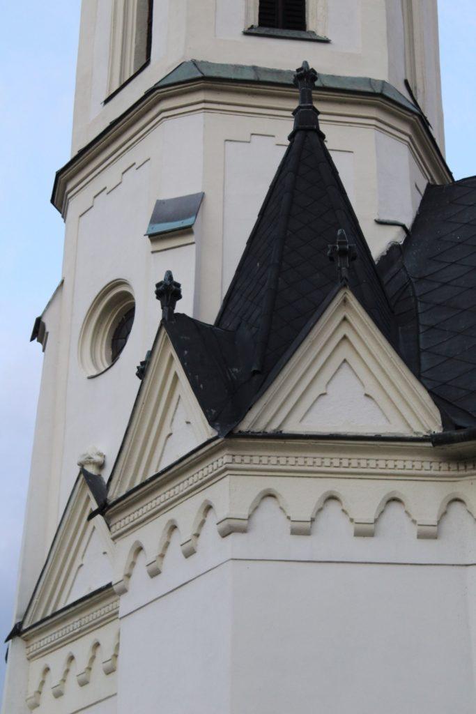 Kostol Panny Márie Ružencovej v Černovej 12