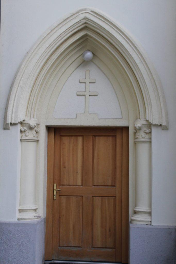 Kostol Panny Márie Ružencovej v Černovej 14