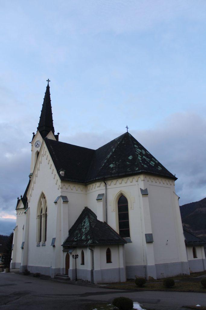 Kostol Panny Márie Ružencovej v Černovej 18