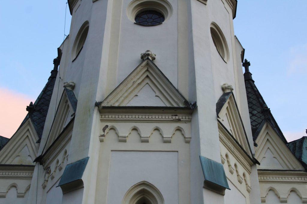 Kostol Panny Márie Ružencovej v Černovej 26