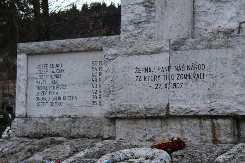 Pamätník černovských martýrov 03