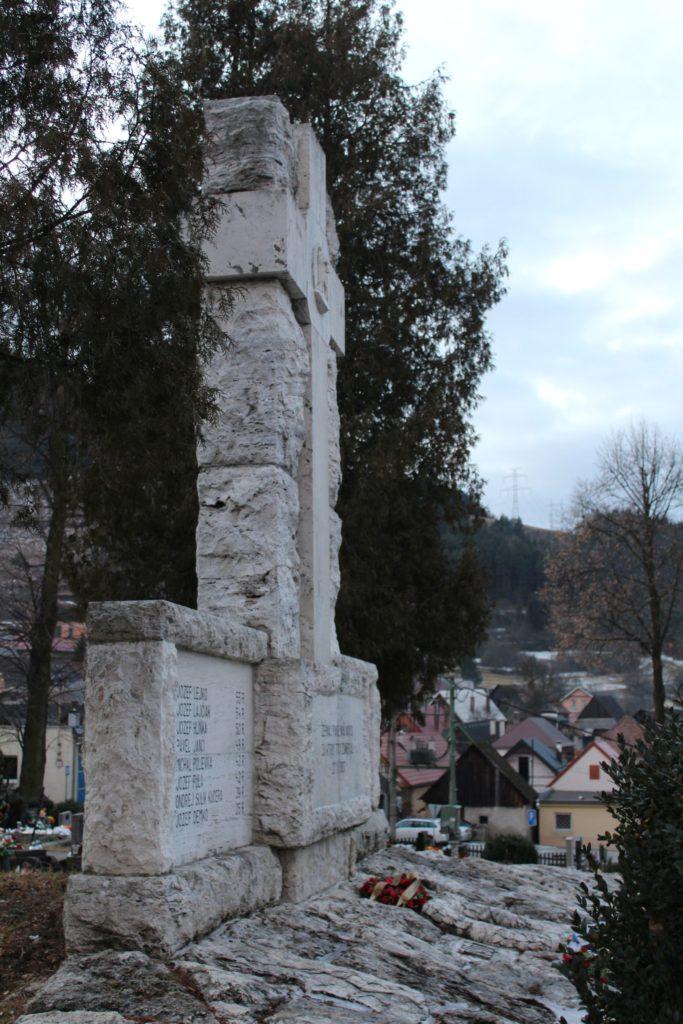 Pamätník černovských martýrov 06