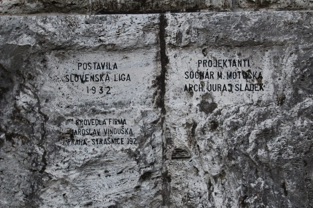Pamätník černovských martýrov 08