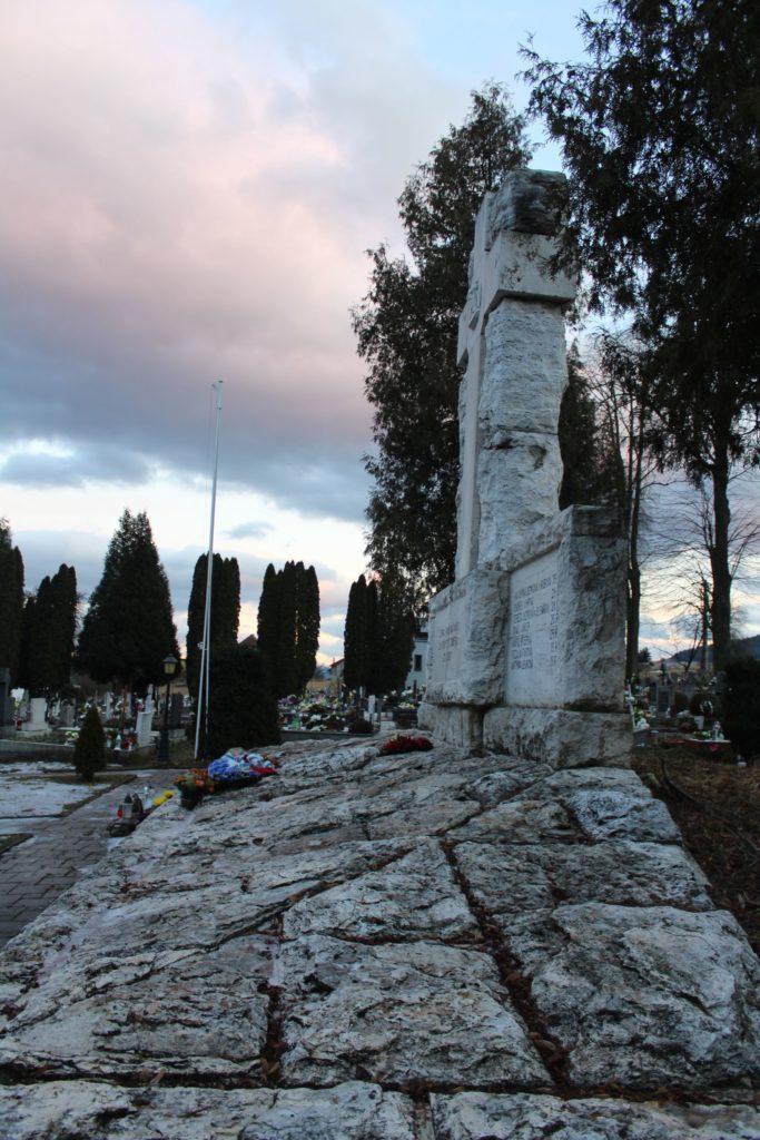 Pamätník černovských martýrov 09