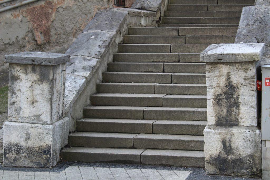 Ružomberské schody - Tmavé schody 02