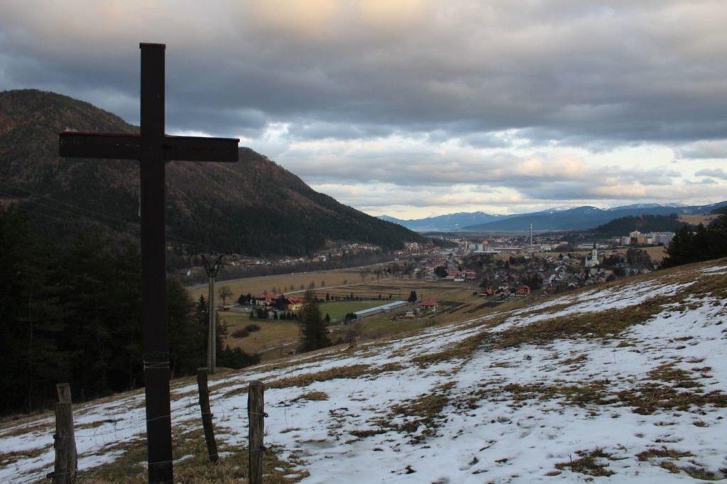 Kríž Černová, Lanoviská 04