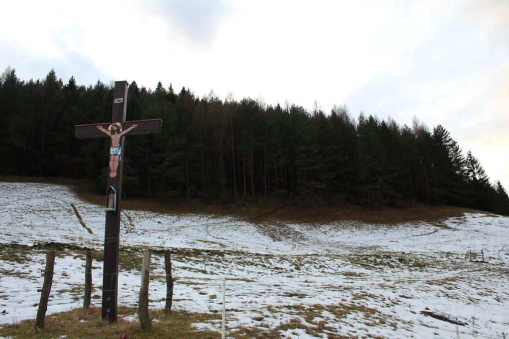 Kríž Černová, Lanoviská 06