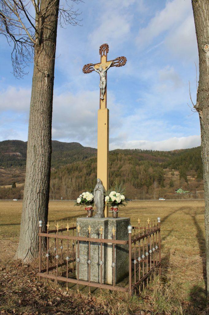 Kríž Černová, ulica Pri Váhu 01