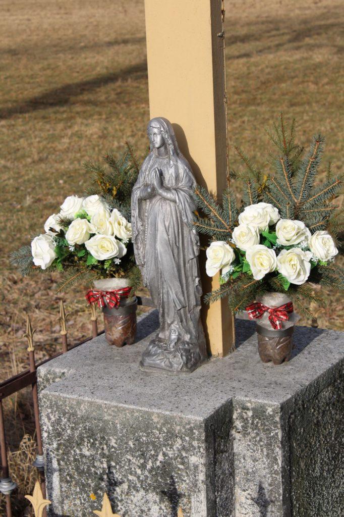 Kríž Černová, ulica Pri Váhu 02