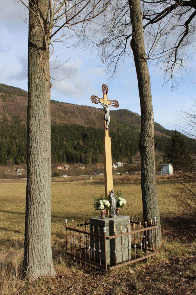 Kríž Černová, ulica Pri Váhu 04