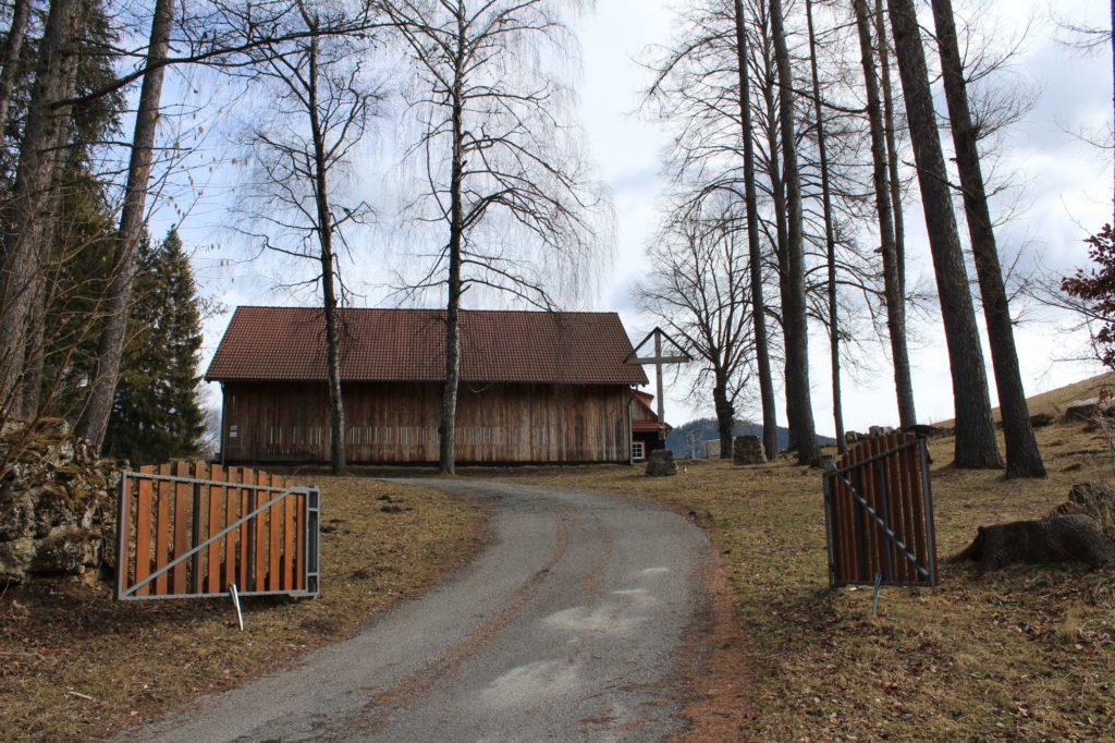 Kríž Biely Potok, Trlenská dolina Jezuitská zotavovňa 01