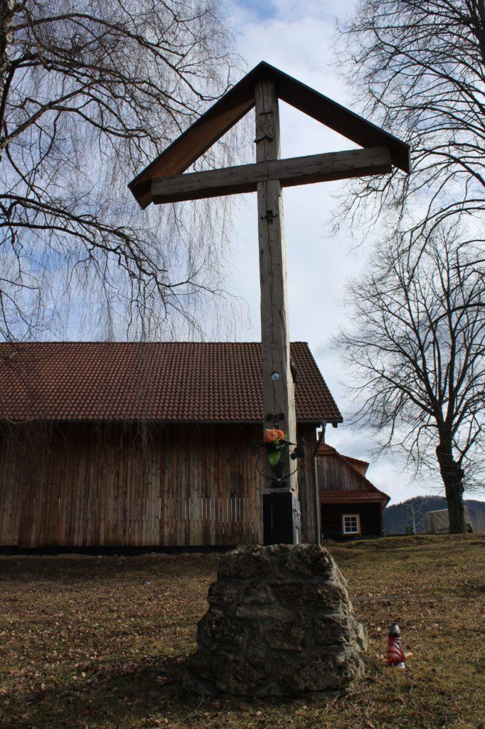 Kríž Biely Potok, Trlenská dolina Jezuitská zotavovňa 02