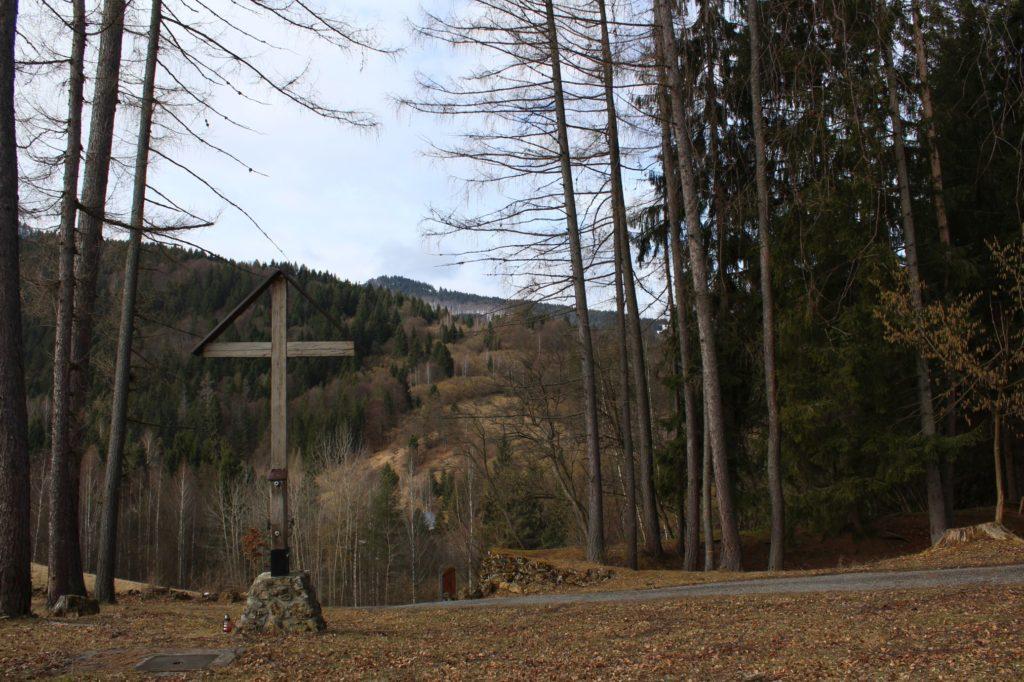 Kríž Biely Potok, Trlenská dolina Jezuitská zotavovňa 04