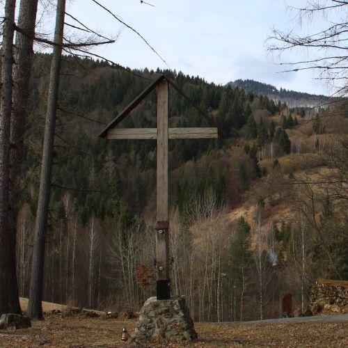 Kríž Biely Potok, Trlenská dolina Jezuitská zotavovňa