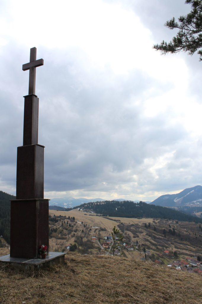 Kríž Jána Pavla II. Valaská Dubová 01