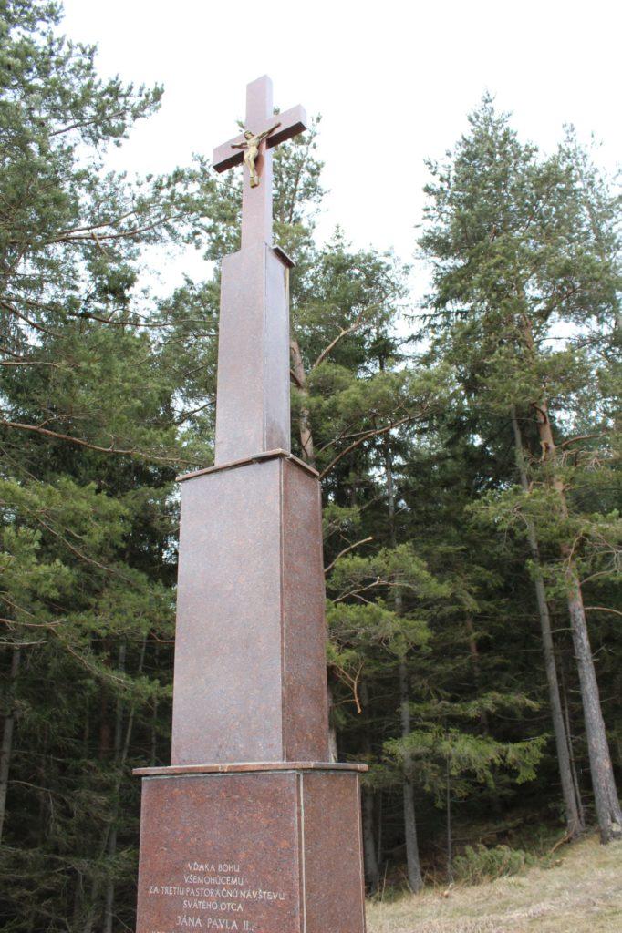 Kríž Jána Pavla II. Valaská Dubová 05