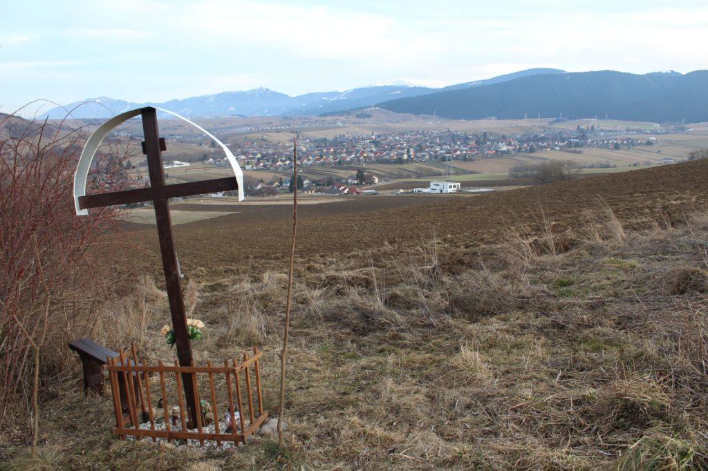 Kríž Liptovské Sliače - Nižný, Hrádok 04
