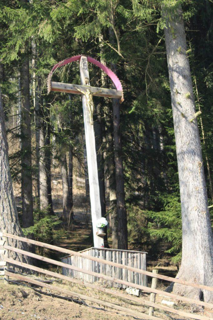 Kríž Nová Černová, areál u Dobrého pastiera 01