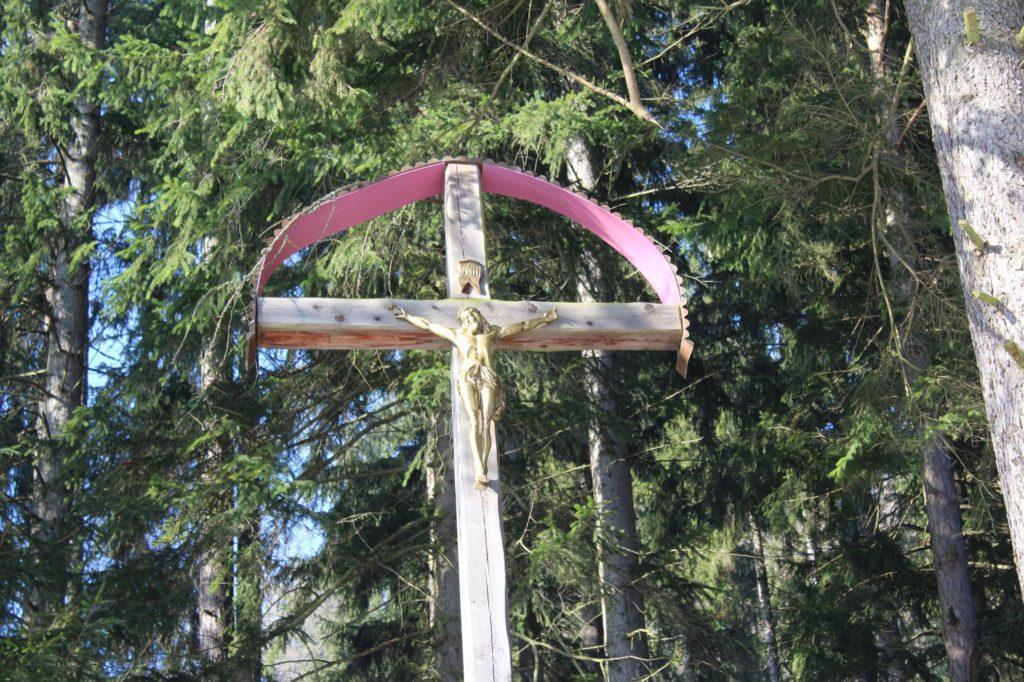 Kríž Nová Černová, areál u Dobrého pastiera 02