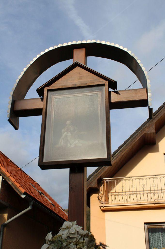 Kríž Nová Černová, ulica Pri Váhu 03