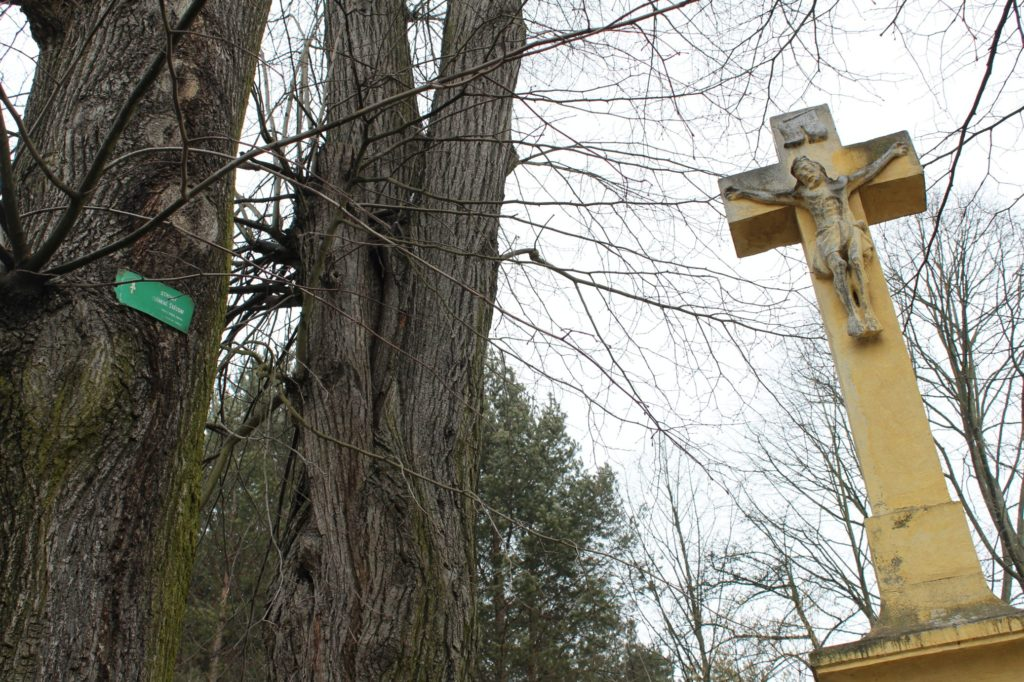 Kríž pri mlyne Hrboltová 01