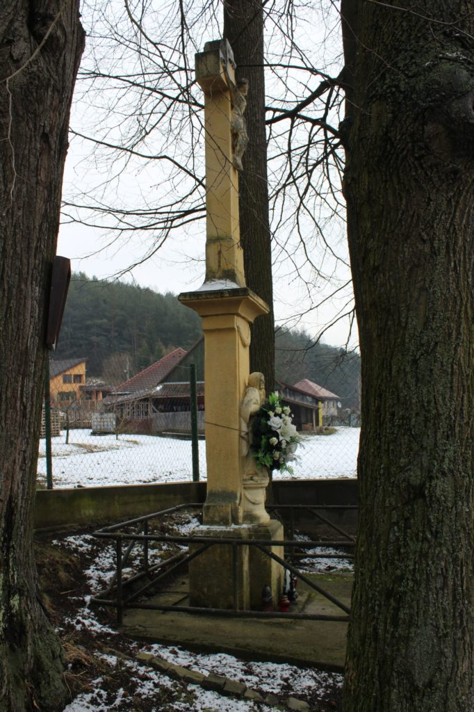 Kríž pri mlyne Hrboltová 03