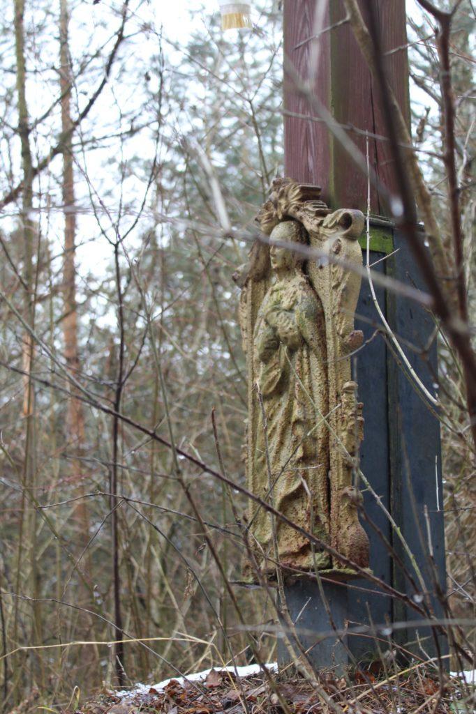 Kríž v lesoparku Hrboltová 03
