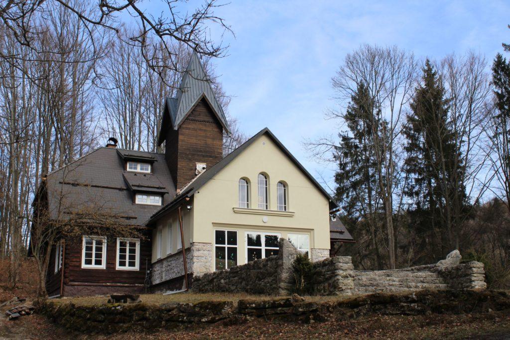 Kaplnka Biely Potok, Trlenská dolina Jezuitská zotavovňa 01
