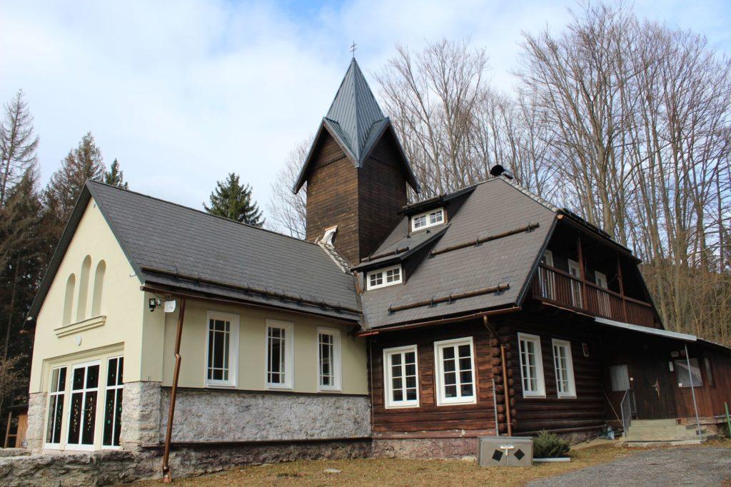 Kaplnka Biely Potok, Trlenská dolina Jezuitská zotavovňa 05