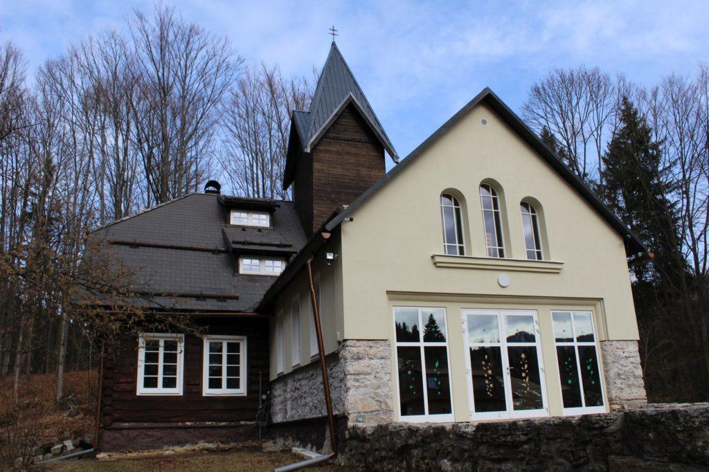Kaplnka Biely Potok, Trlenská dolina Jezuitská zotavovňa 06