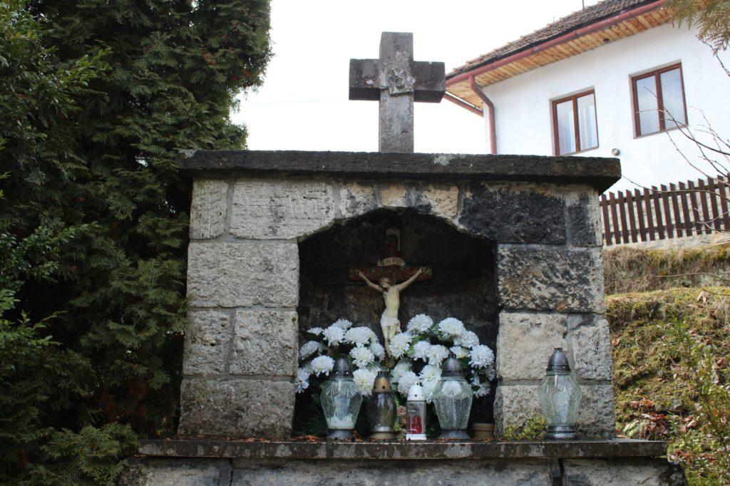 Kaplnka Lúčky, križovatka Slobody - Cintorínska 03