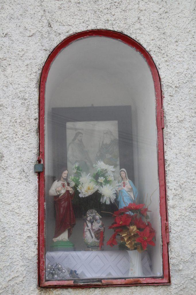 Kaplnka Likavka, križovatka J. Hollého - Pod Hradom 02