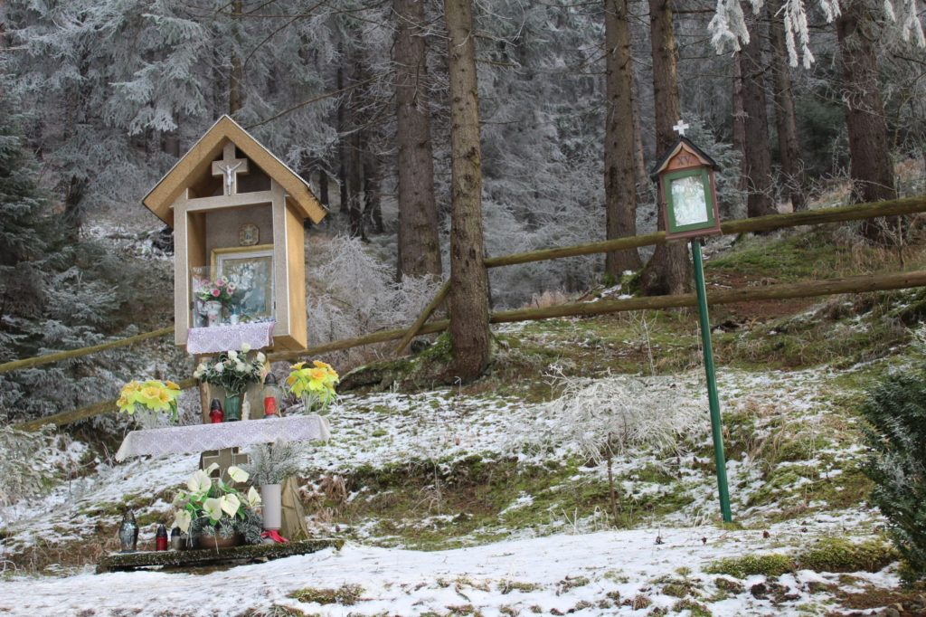 Kaplnka Liptovské Sliače - Stredný, ústie Sliačskej doliny 02