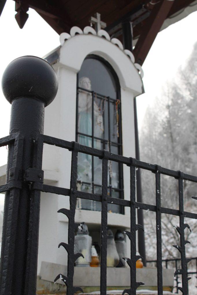 Kaplnka Liptovské Sliače - Stredný, nad Medokýšom 03