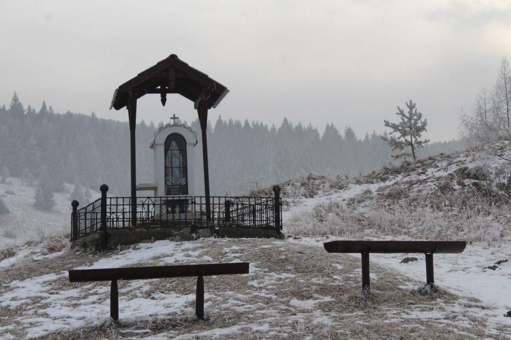 Kaplnka Liptovské Sliače - Stredný, nad Medokýšom 04