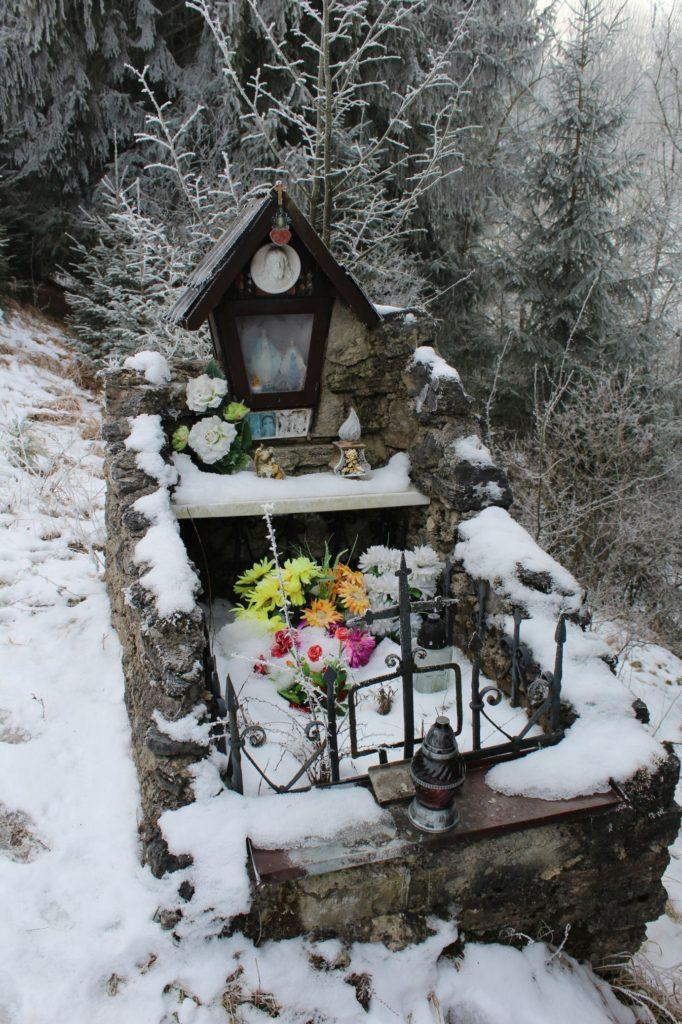 Kaplnka Liptovské Sliače - Vyšný, pod Lesom nad ulicou Tichá 01