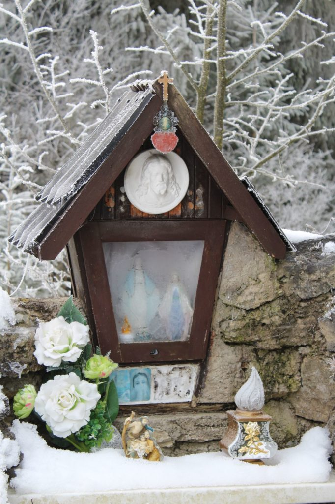 Kaplnka Liptovské Sliače - Vyšný, pod Lesom nad ulicou Tichá 02