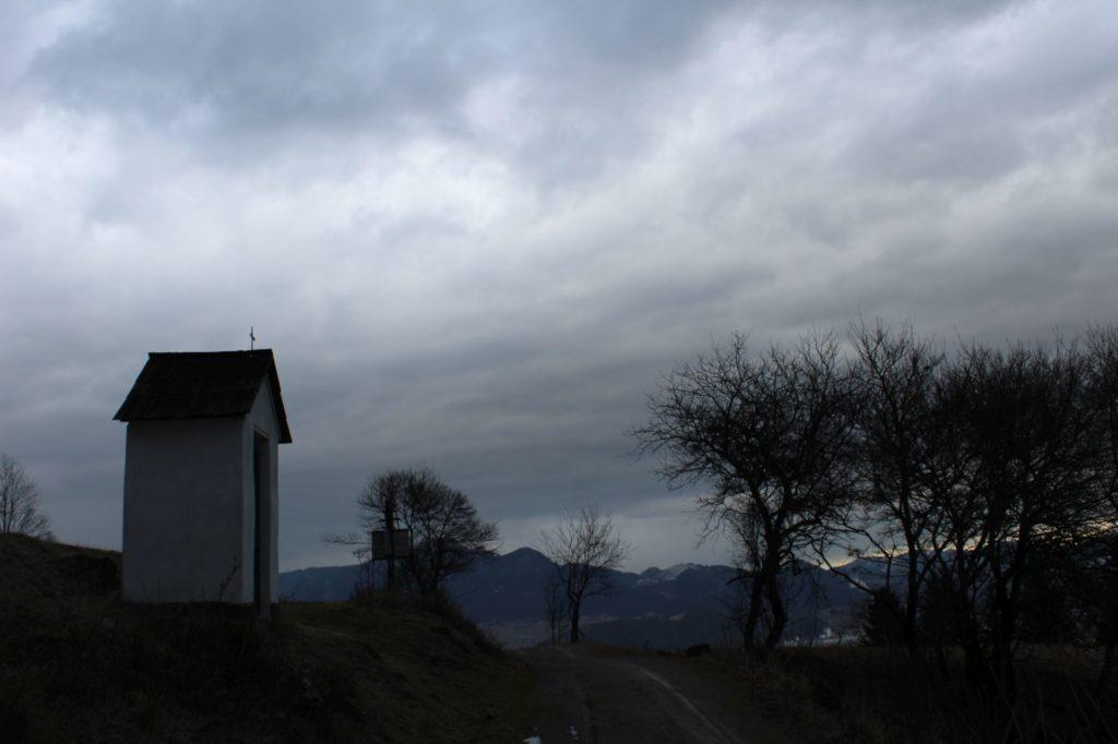 Kaplnka Vlkolínec, Pri Krkavej skale 01