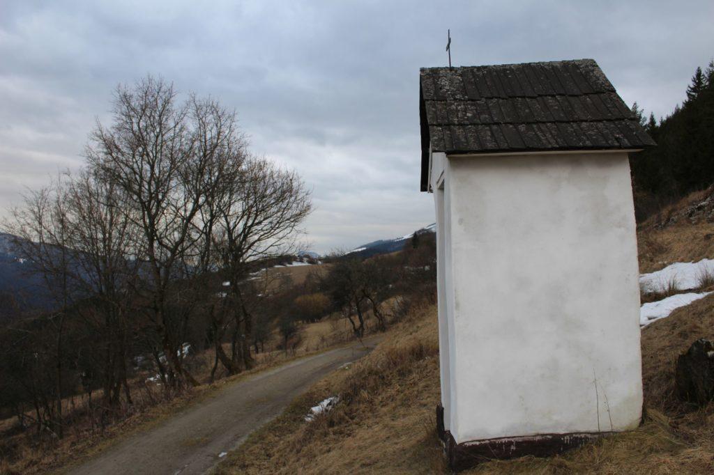 Kaplnka Vlkolínec, Pri Krkavej skale 04