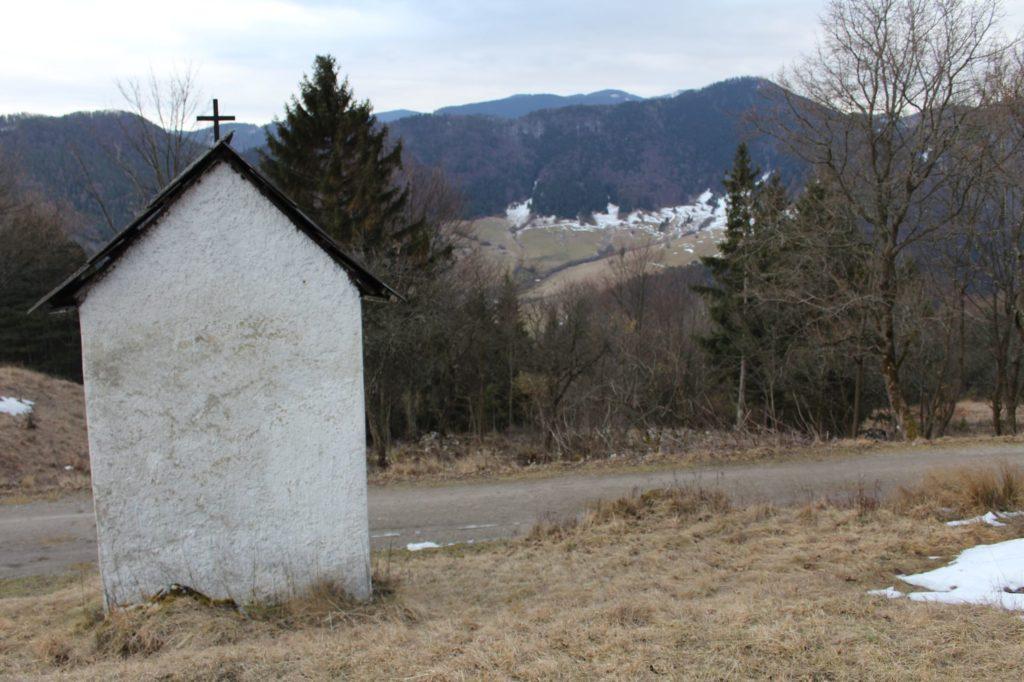 Kaplnka Vlkolínec, Pri Krkavej skale 05
