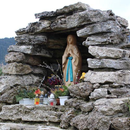 Kaplnka pri kostole Dvoch sŕdc Liptovské Sliače – Vyšný