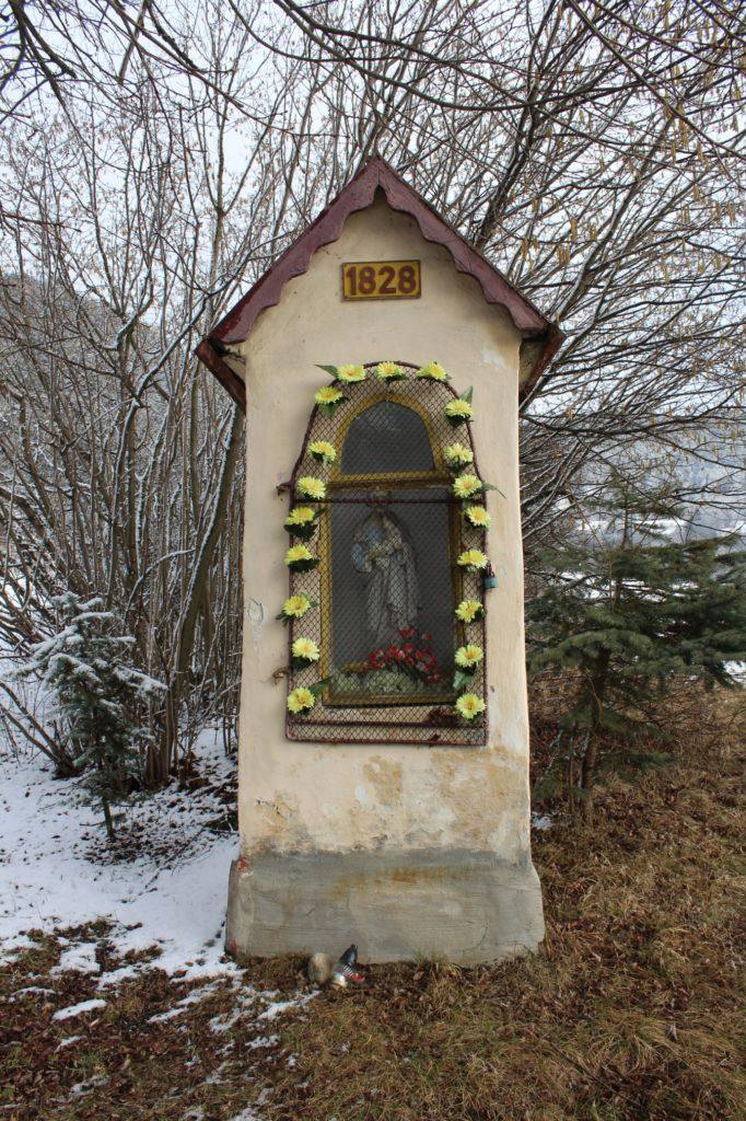 Kaplnka sv. Jozefa Hrboltová, pod hradiskom 01
