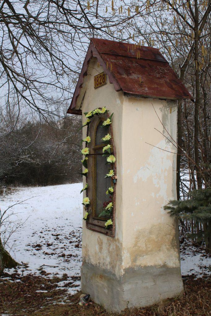 Kaplnka sv. Jozefa Hrboltová, pod hradiskom 03